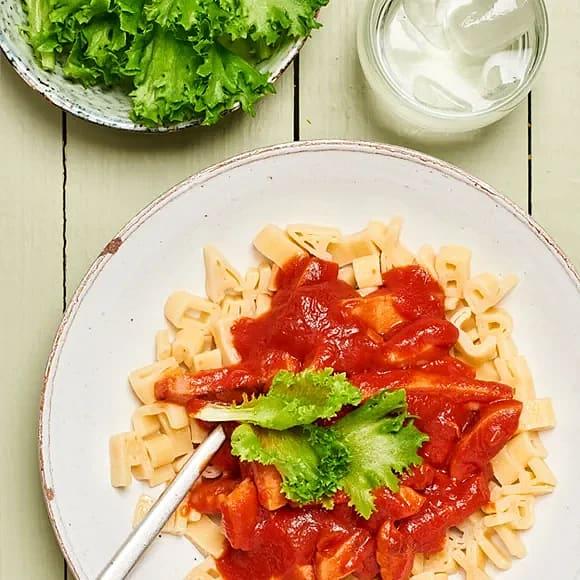 Stroganoff med pasta och körsbärstomater