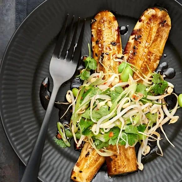 Rostad zucchini med ketjap manis och groddar