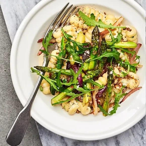 Linspasta med sparris och parmesan