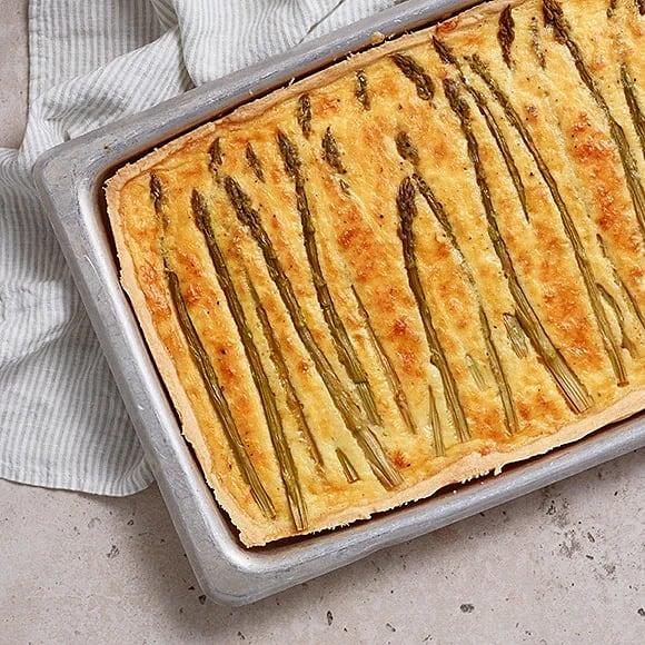 Sparris- och ostpaj