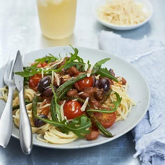 Pasta arrabbiata med borlottibönor och tomat
