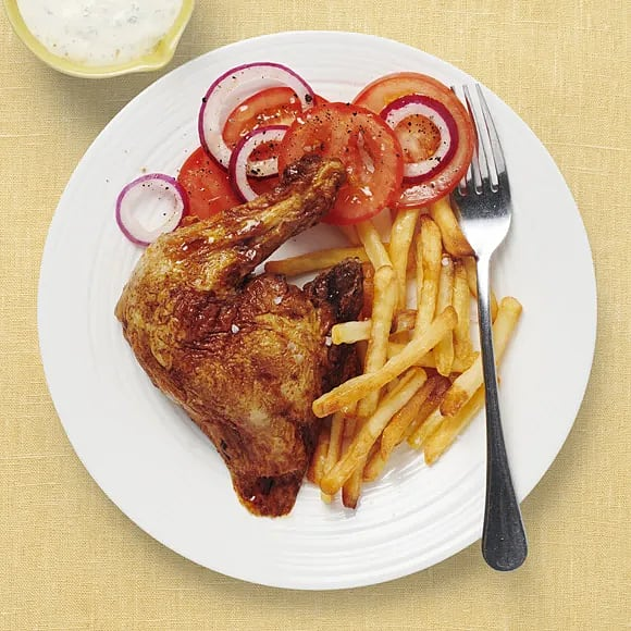 Grillad kyckling med tomatsallad och dragonsås