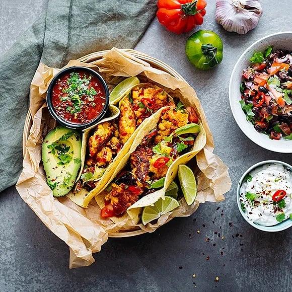 Taco med majsfritters och pico de gallo