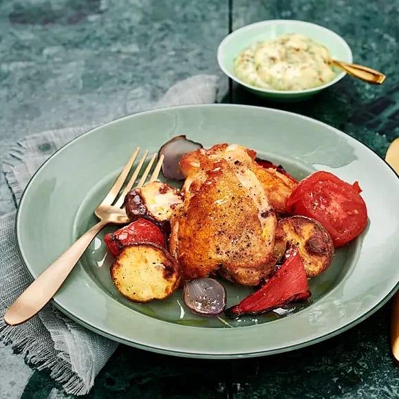 Kycklinglår med rostade grönsaker och persiljemajonnäs