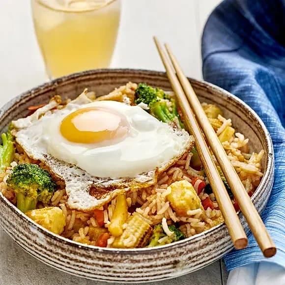 Fried rice med stekt ägg