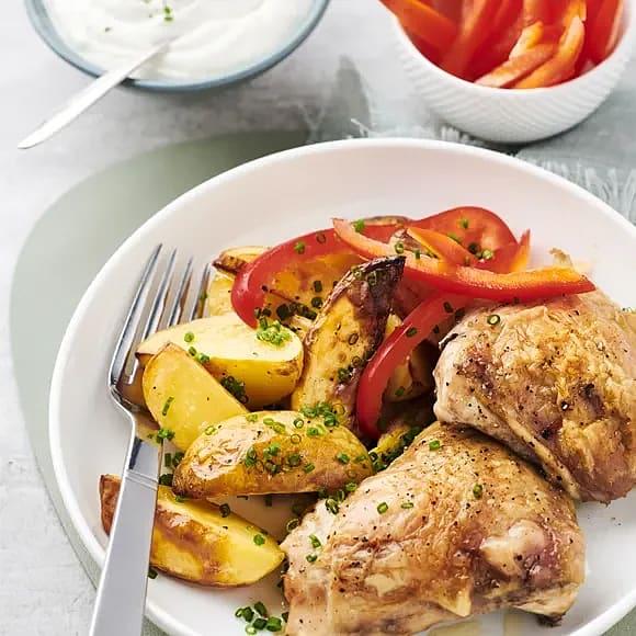 Kycklinglår med rostad potatis och yoghurt