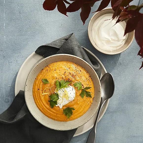 Höstig soppa med jordärtskocka och pumpa