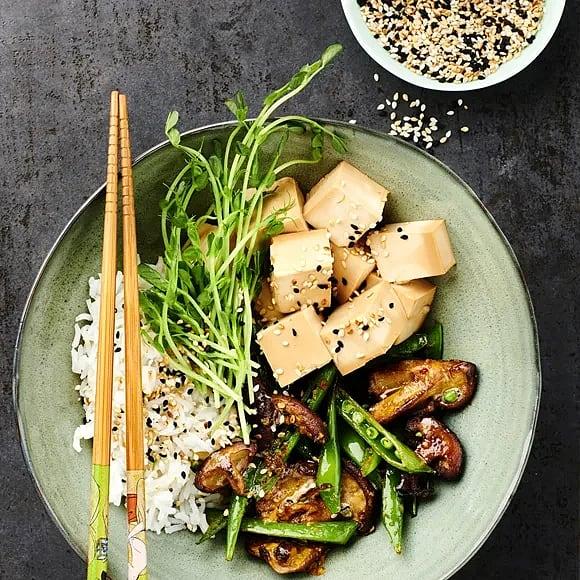 Ingefärsstekt shiitake med sojamarinerad tofu