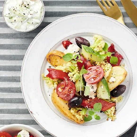 Rostad fiorina med oreganodoftande tomat- och fetaostsallad
