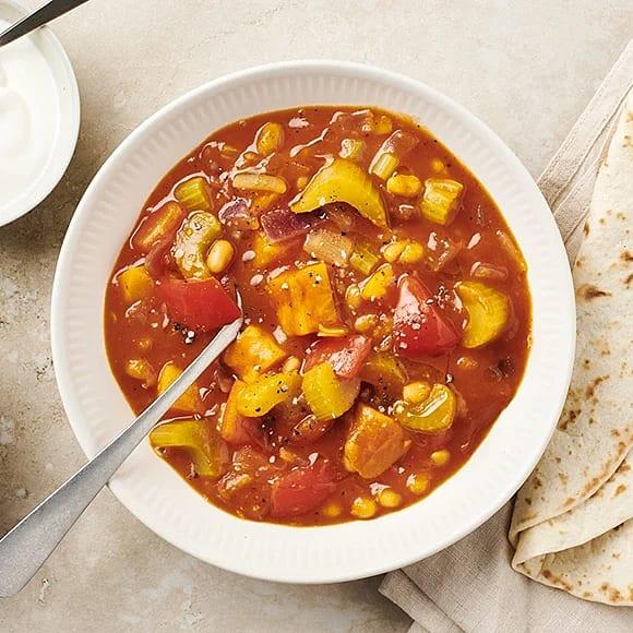 Kryddig chili med paprika och sötpotatis