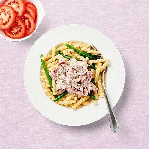 Gräddig pasta med kalkonbacon