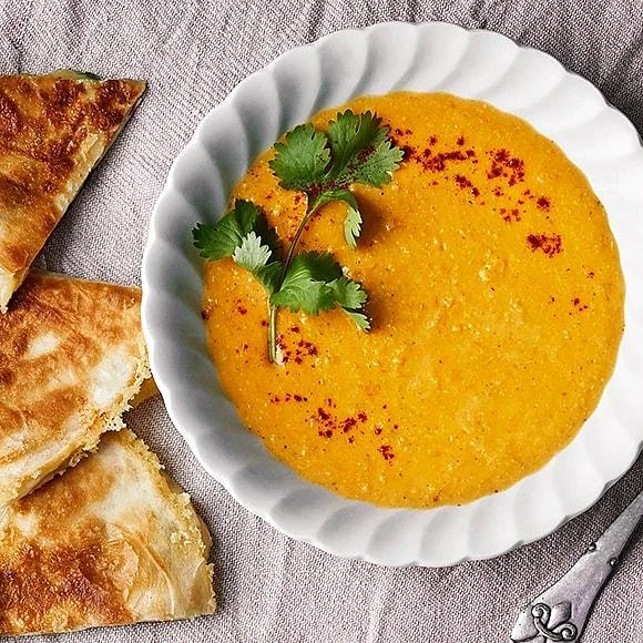 Rostad majssoppa med quesadillas