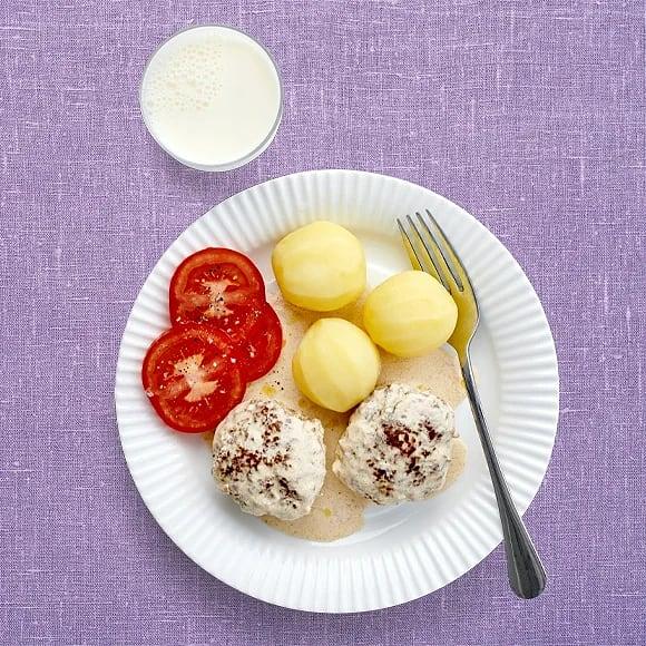 Pannbiff med potatis och gräddsås