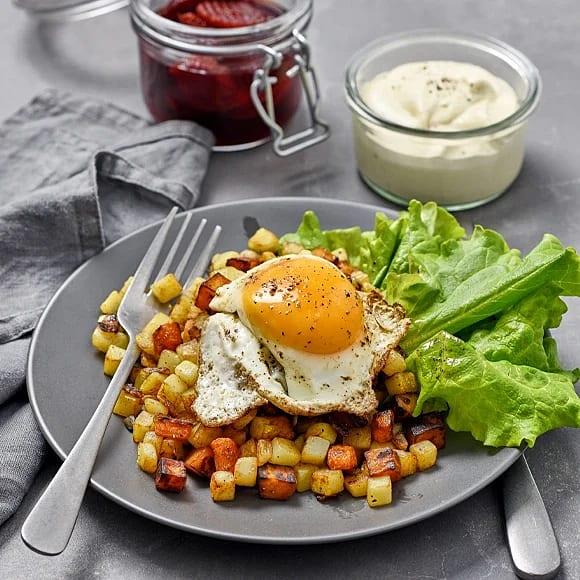 Vegopytt med stekt ägg och senapsdipp