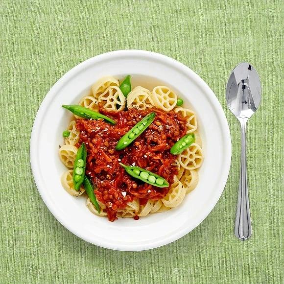 Pasta med lins- och tomatsås