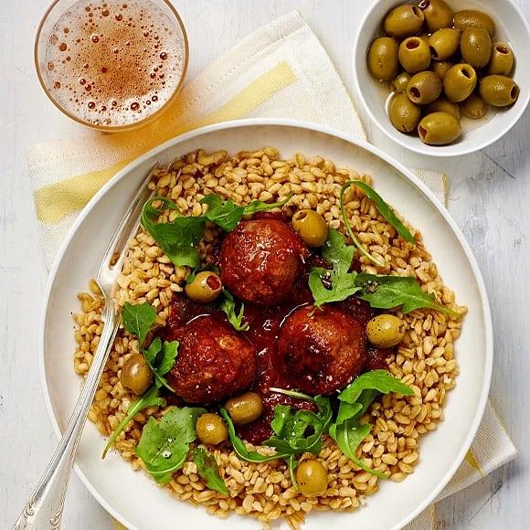 Köttbullar i tomatsås med matvete