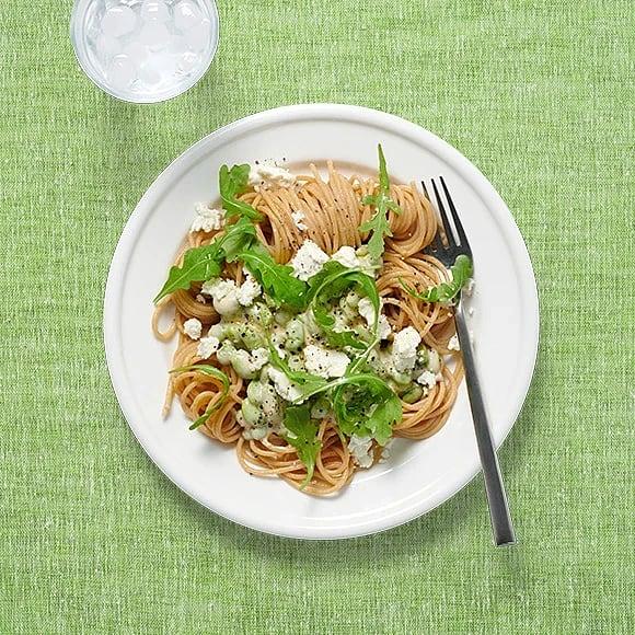 Krämig pasta med fetaost och ruccola