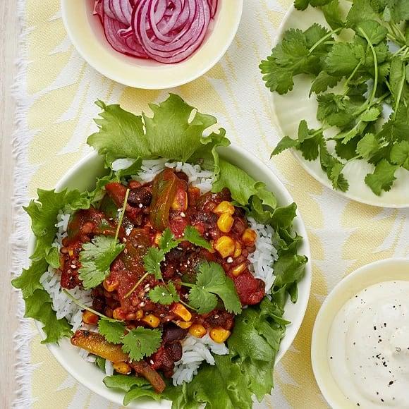 Bönchili med linser och picklad lök