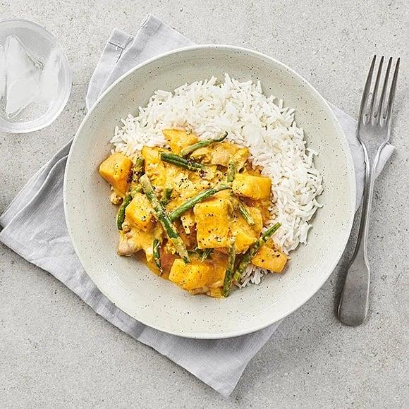 Paneng curry med sötpotatis, haricot verts och kyckling