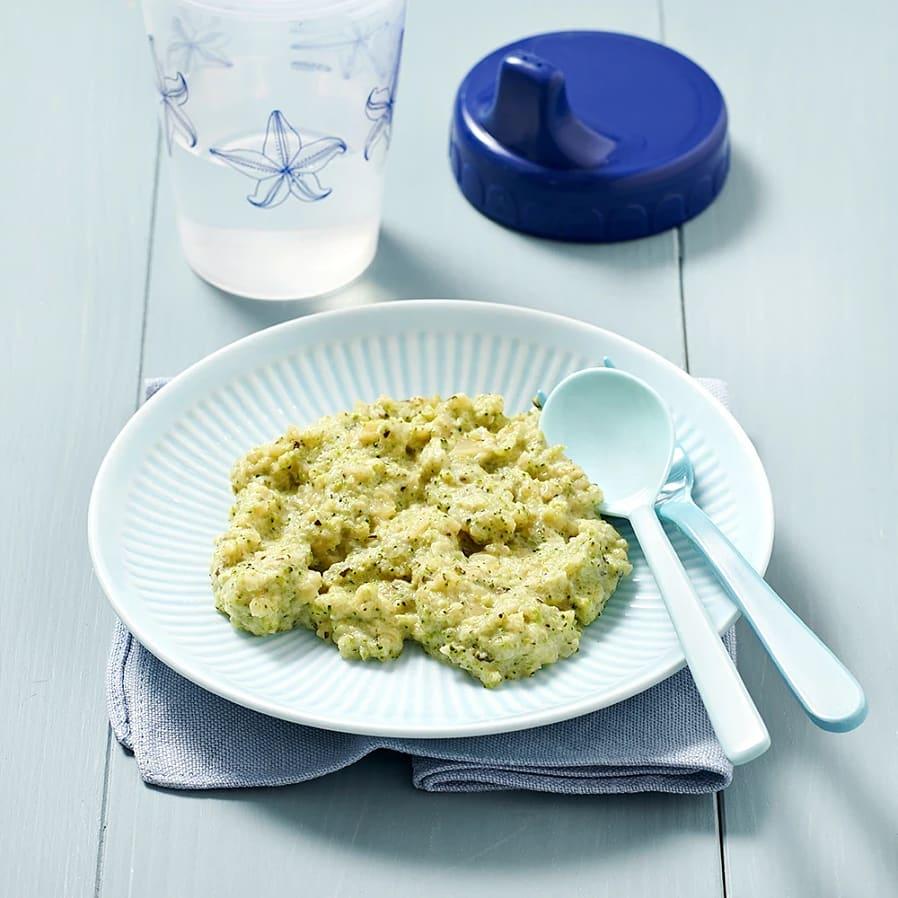 Vegopasta med lök och broccoli
