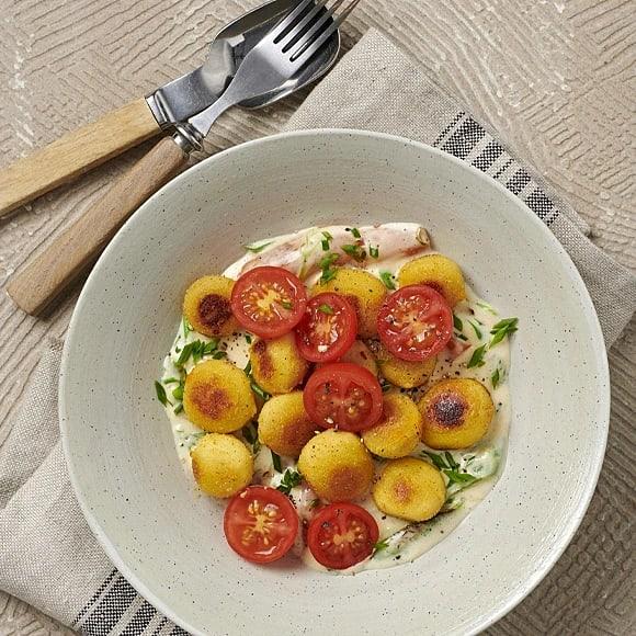 Spenat- och mozzarellagnocchi med gräslökssås