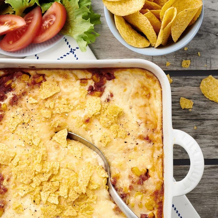 Tacogratäng med nachos och majs
