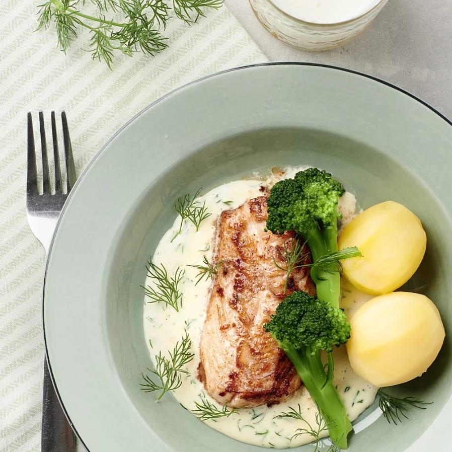 Stekt torsk med dillsås och broccoloco