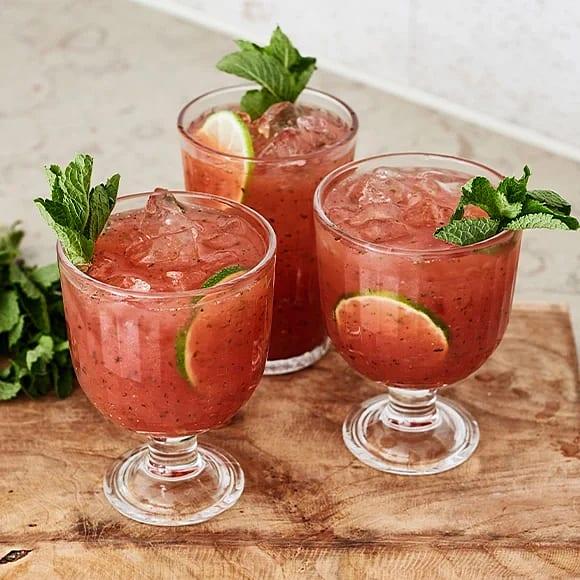 Agua fresca med vattenmelon och jordgubbar