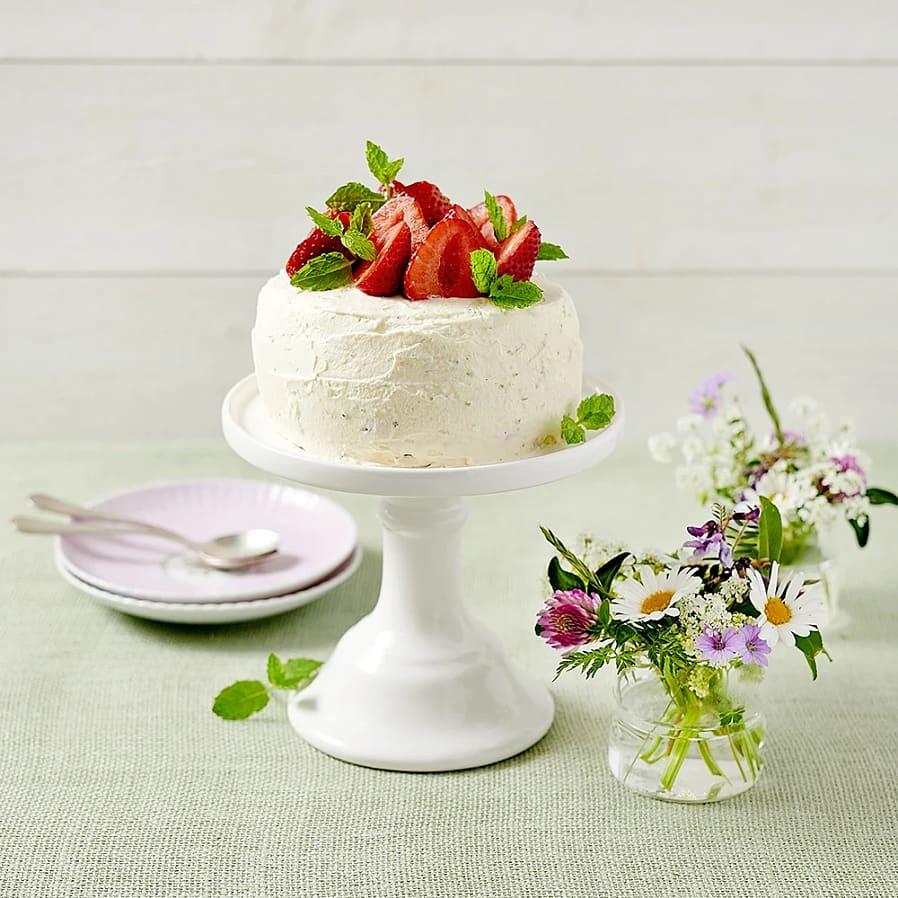 Minitårta med fläder, jordgubbar och vaniljmascarpone