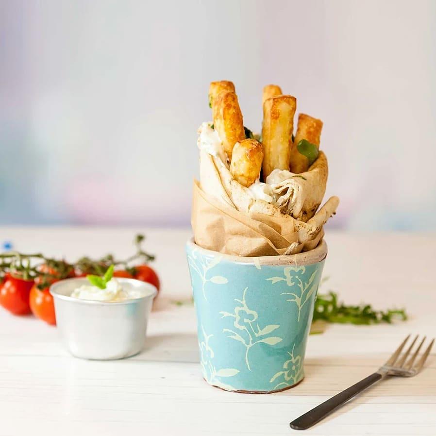 Wraps med Halloumi Fries och hummus