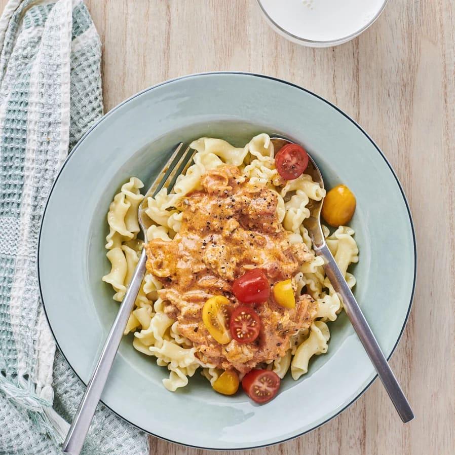 Kycklingfärs i gräddig tomatsås
