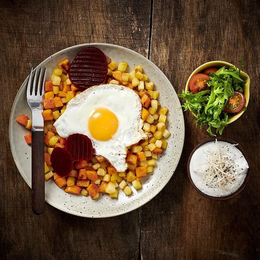 Vegopytt med pepparrotskräm och stekt ägg