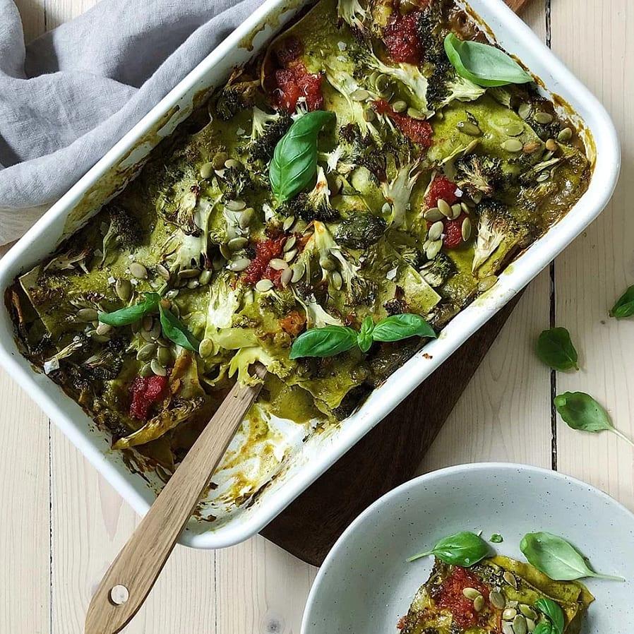 Vegansk lasagne med broccoli