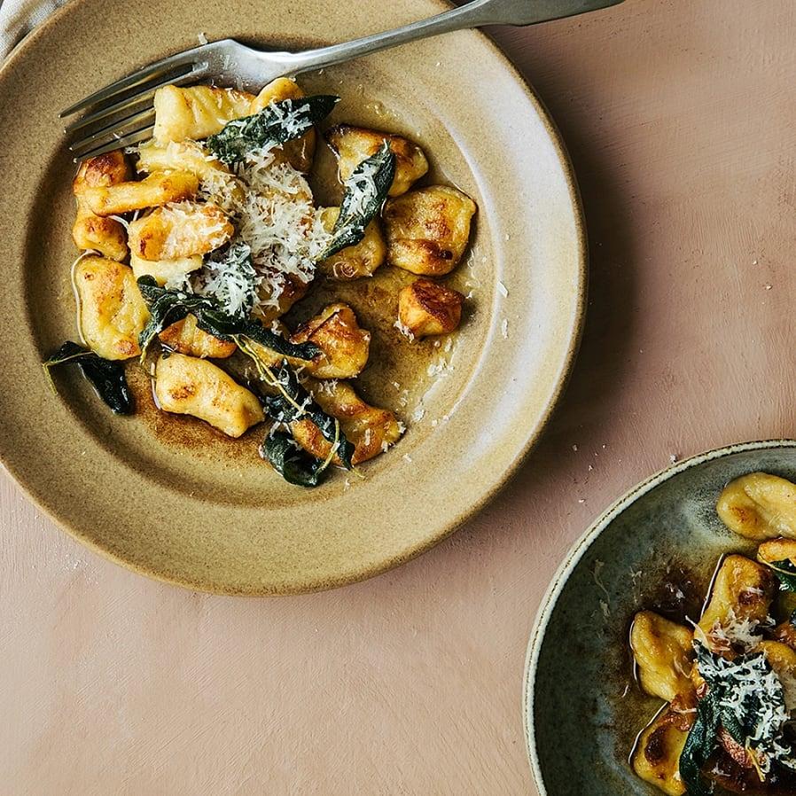 Hemmagjord gnocchi med brynt smör och salvia
