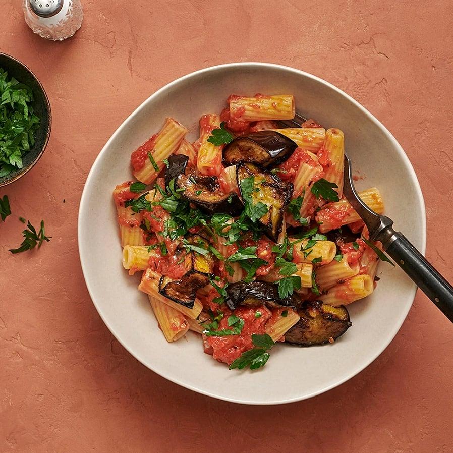 Pasta med tomatsås och rostad aubergine
