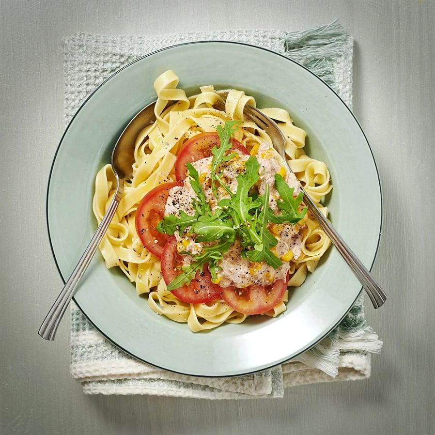 Tonfiskpasta med paprikasås och tagliatelle