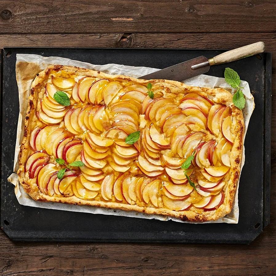 Äppeltarte med cashewnötter och lime