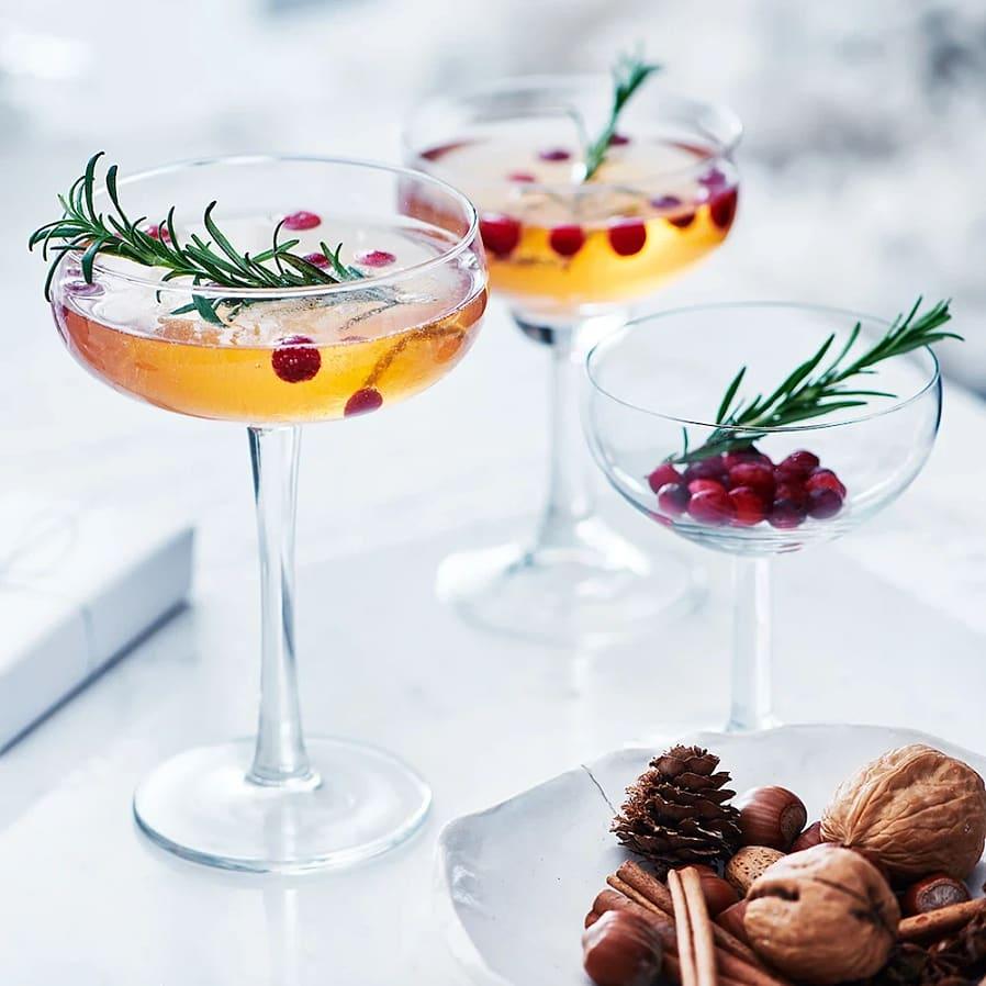 Kryddig apelsindrink med tranbär