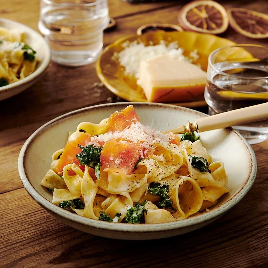 Pasta med mascarpone och lax