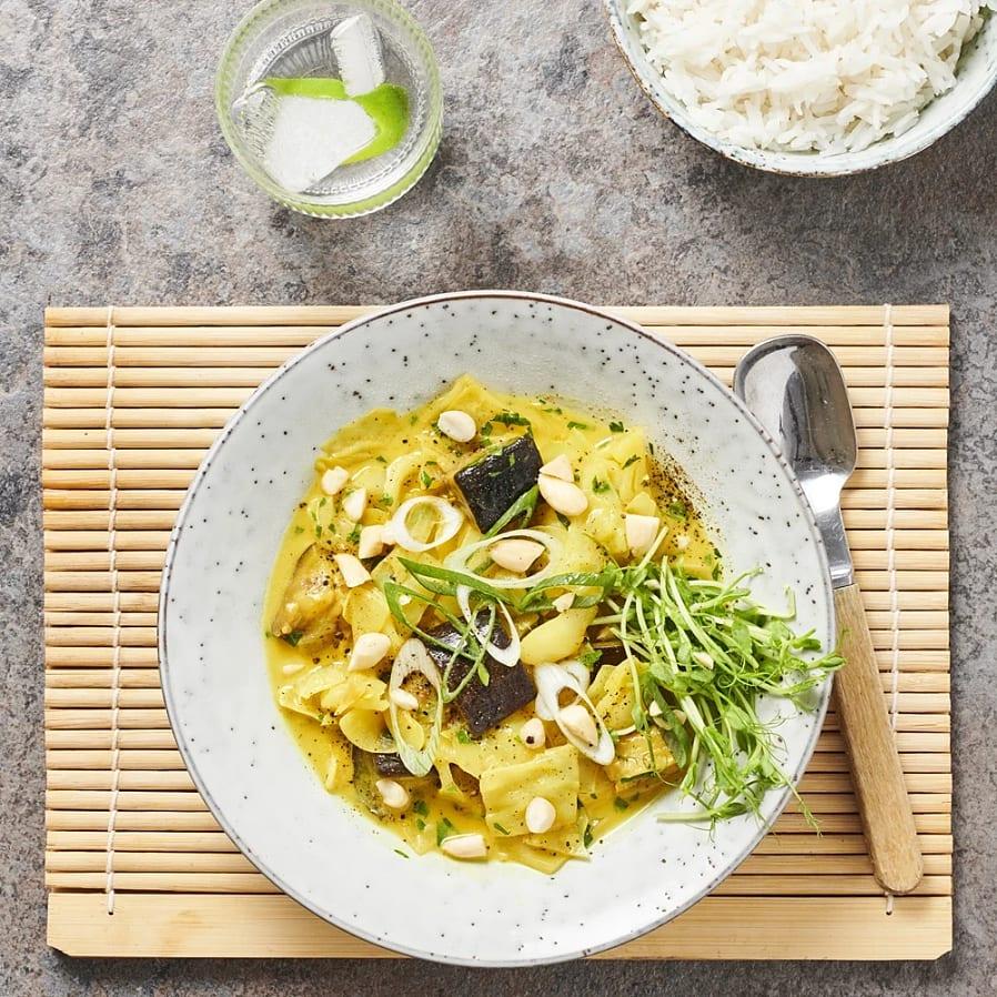 Currygryta med spetskål och aubergine