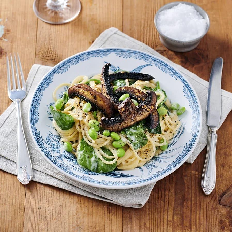 Pasta med jordärtskockssås och portabello