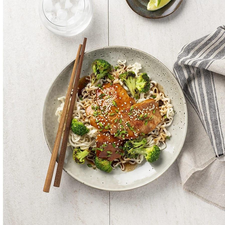 Tunnskivad kotlett i hoisinsås med broccoloco