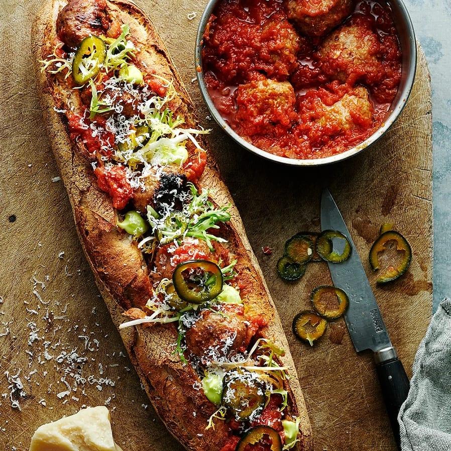Meatball sub – baguette med köttbullar i tomatsås