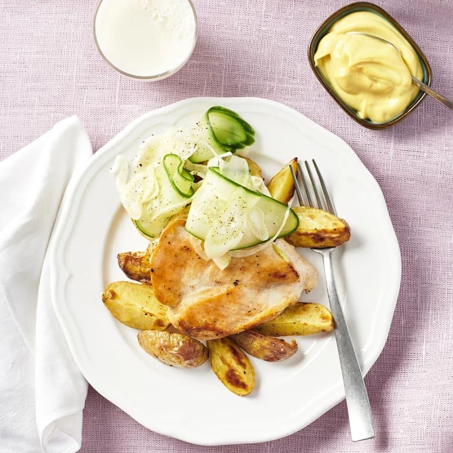 Kycklingfilé med klyftpotatis och fänkålssallad
