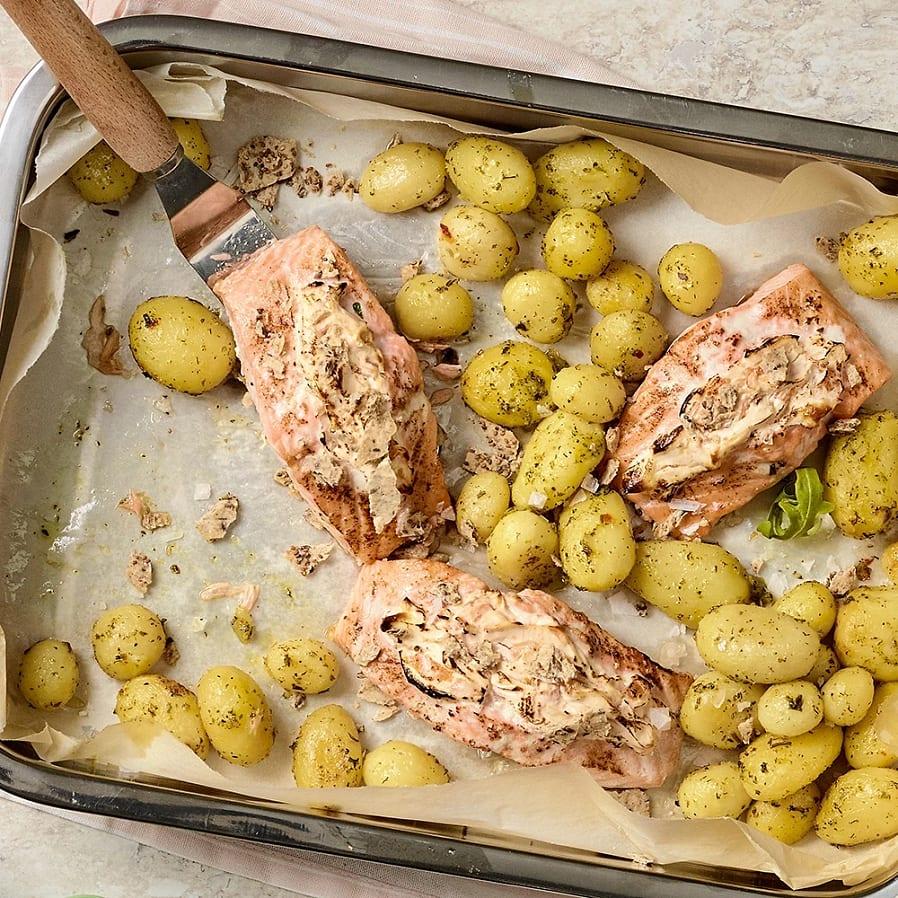 Lax med kimchiost och potatis