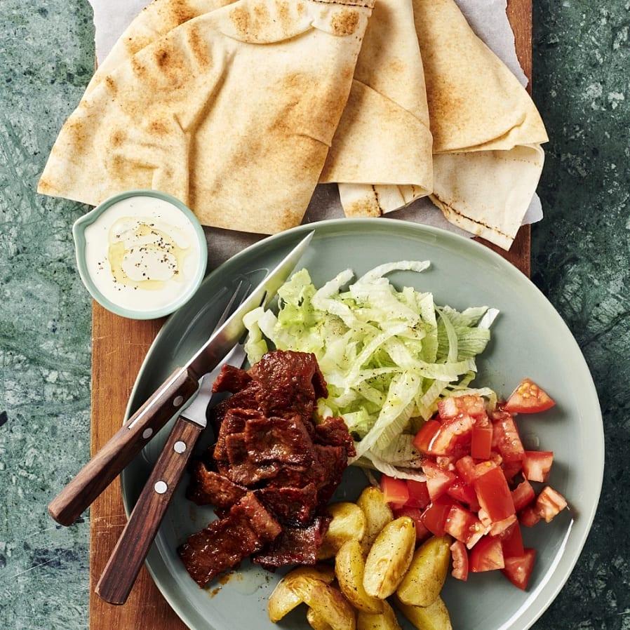 Kebab i libabröd med klyftpotatis