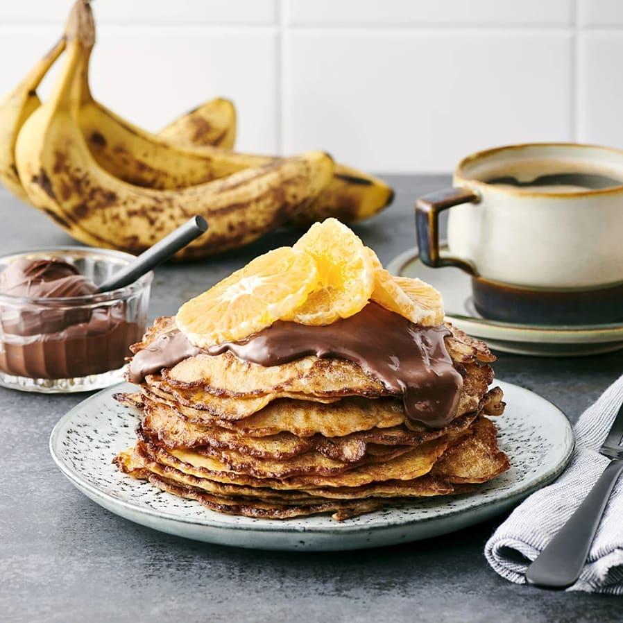 Bananpannkakor med hasselnötskräm och clementin