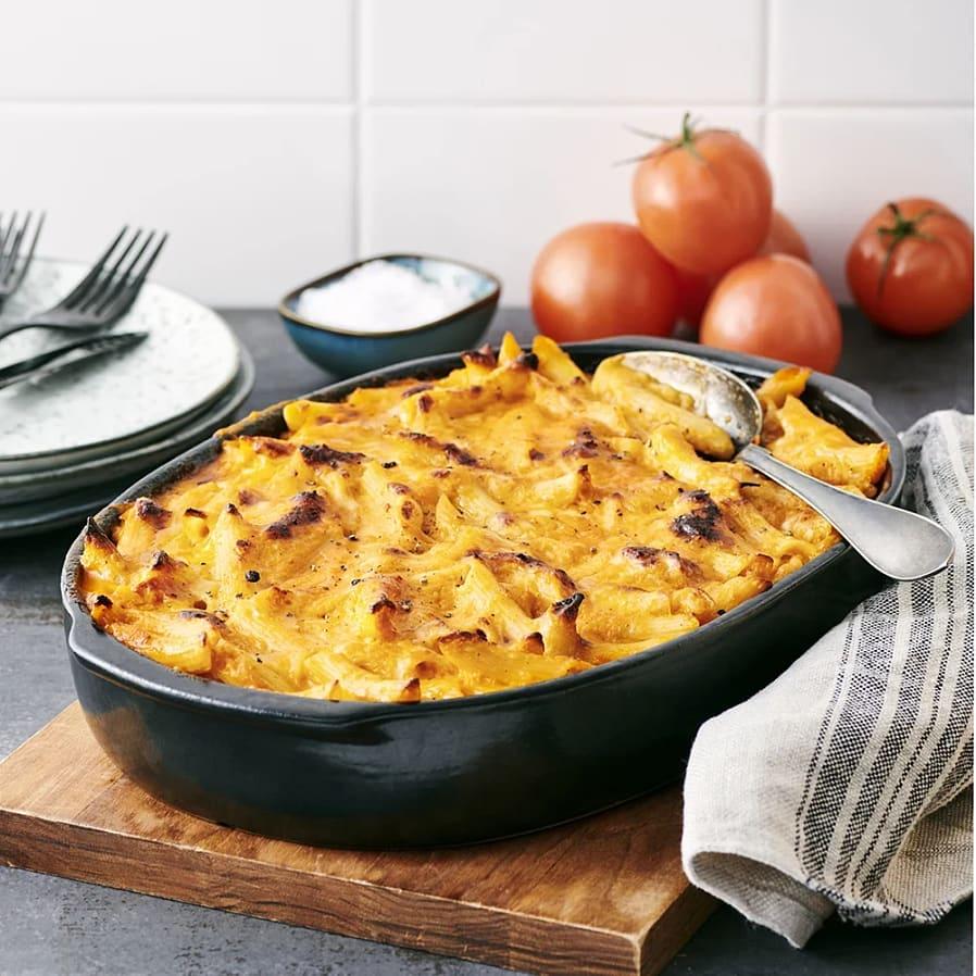 Pastagratäng med tomat och ost