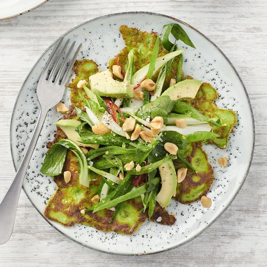 Asiatiska spenatpannkakor med ingefära och jordnötter
