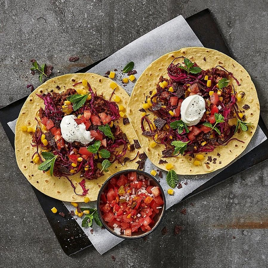 Tacos jalapeño med limemarinerad rödkål och tomatsalsa